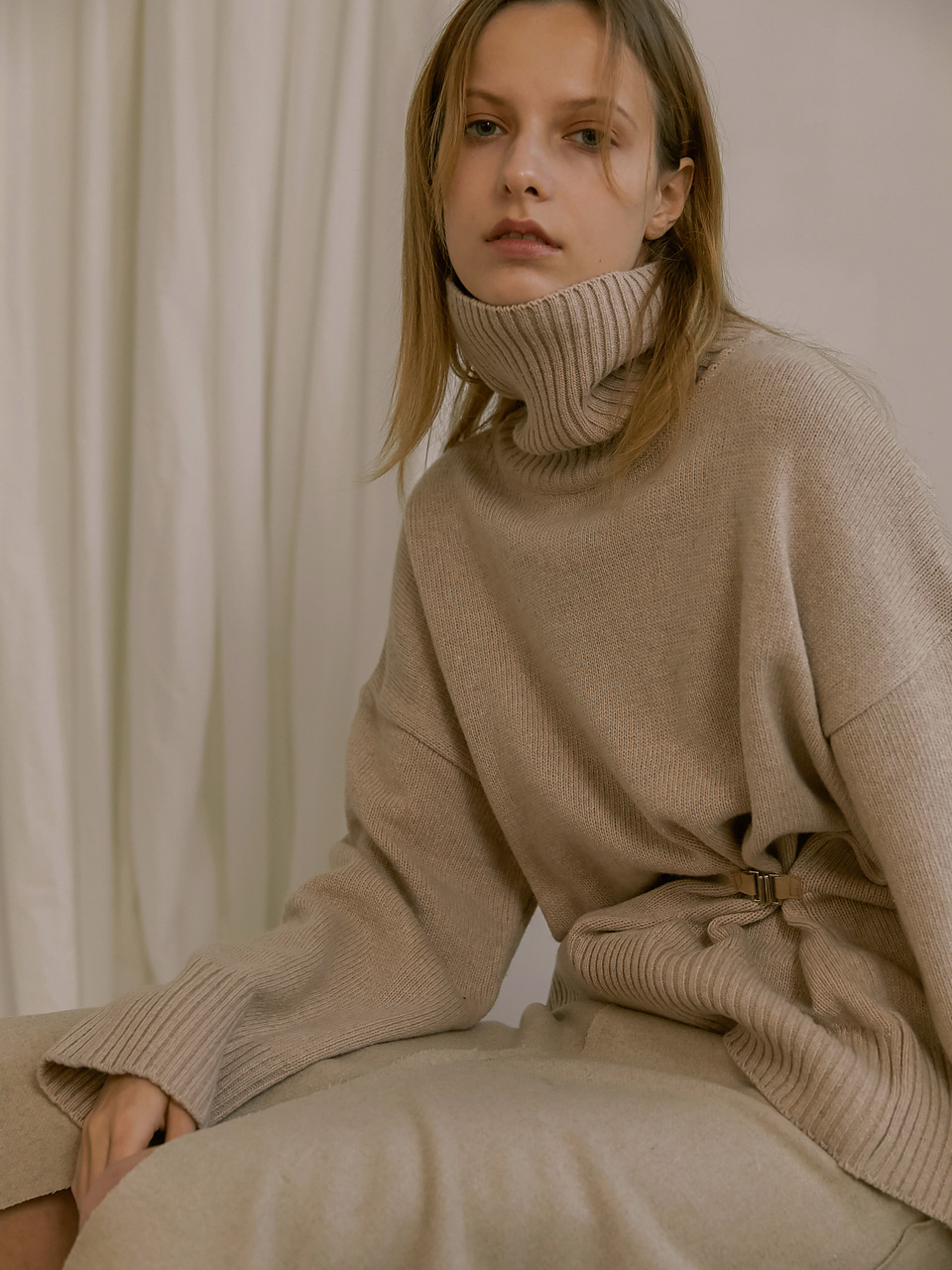[18FW] Pleats turtleneck knit - Beige