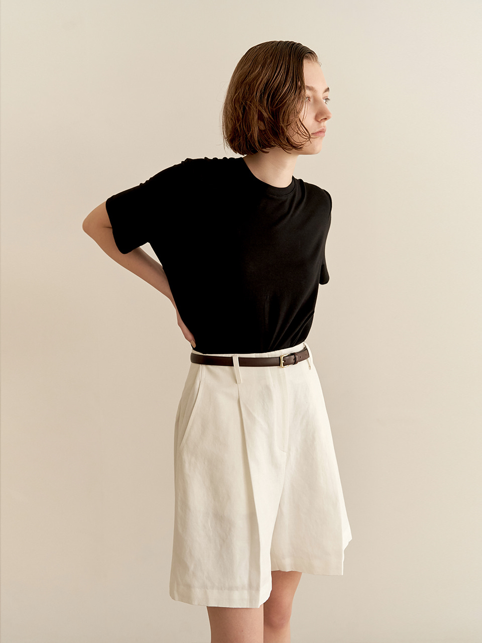 Wide linen shorts - white