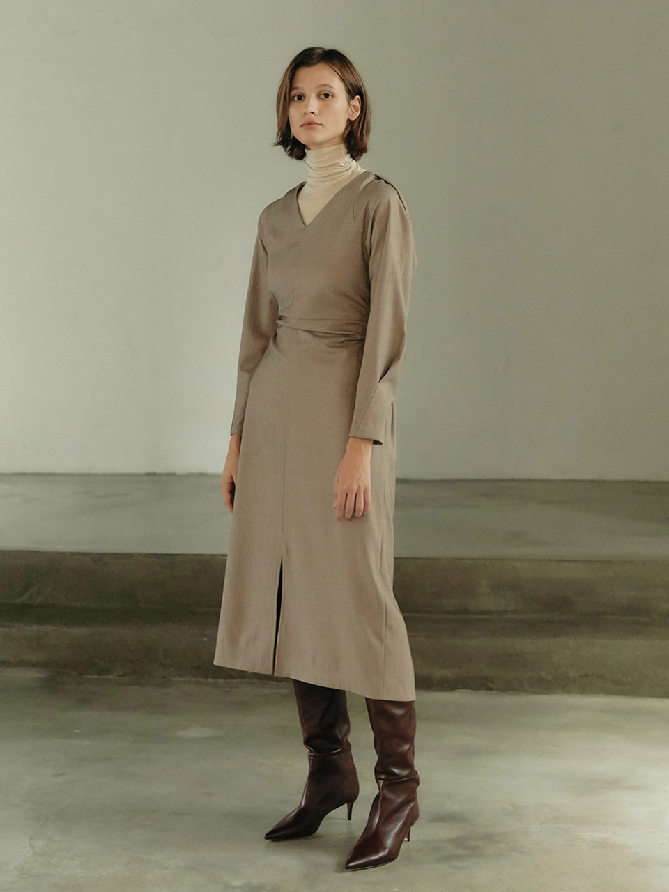 Curved wool dress - Beige