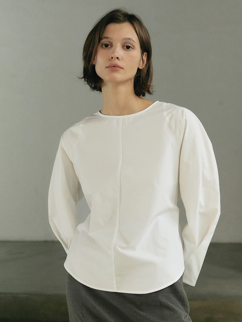 [9/23순차출고] Round volume blouse - White