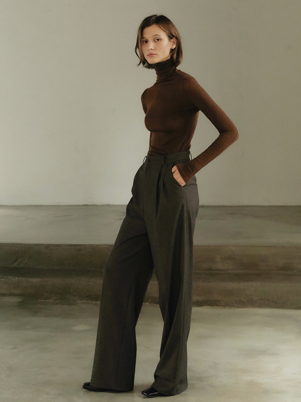 Wool tuck pants - khaki brown
