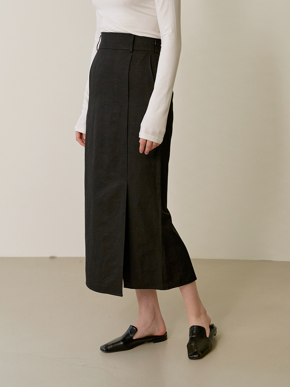 Linen tuck skirt - Black