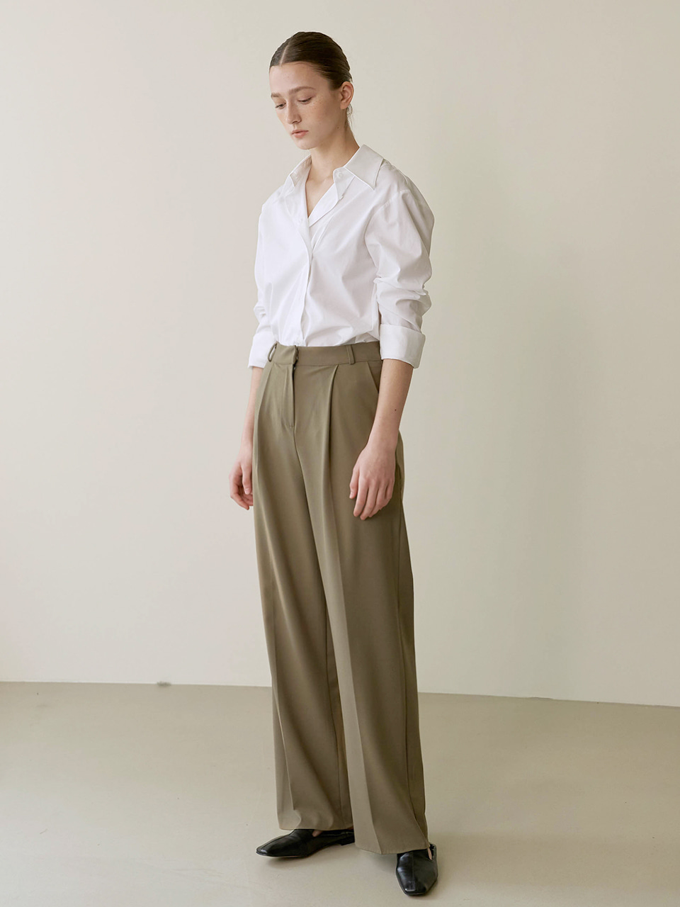 Wide tuck trouser - Khaki