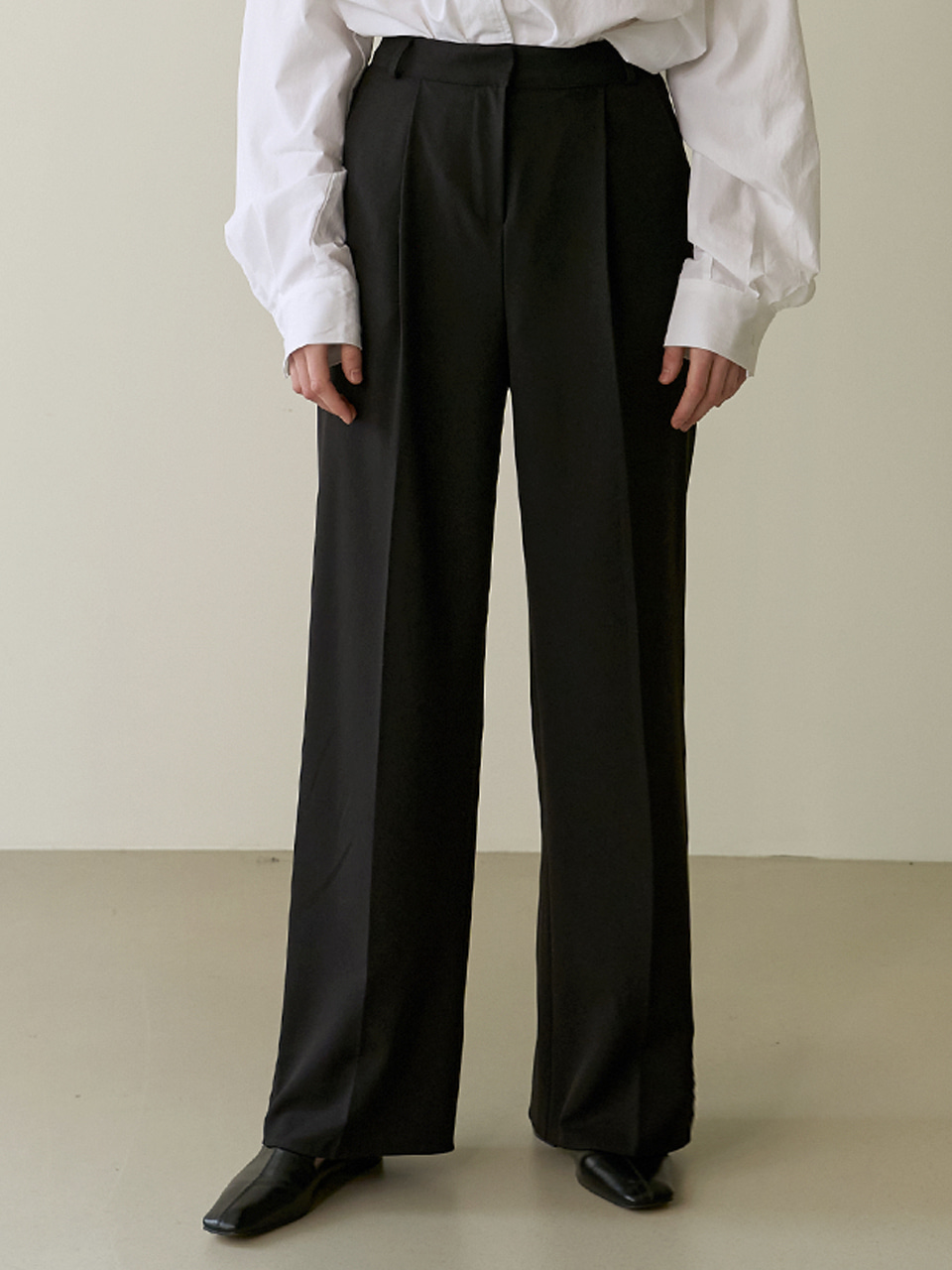 Wide tuck trouser - Black