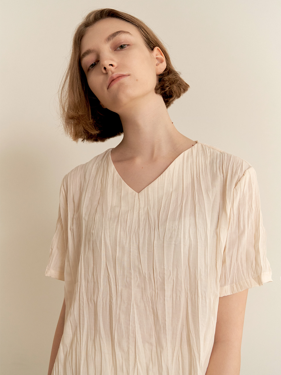 Wrinkle blouse-beige
