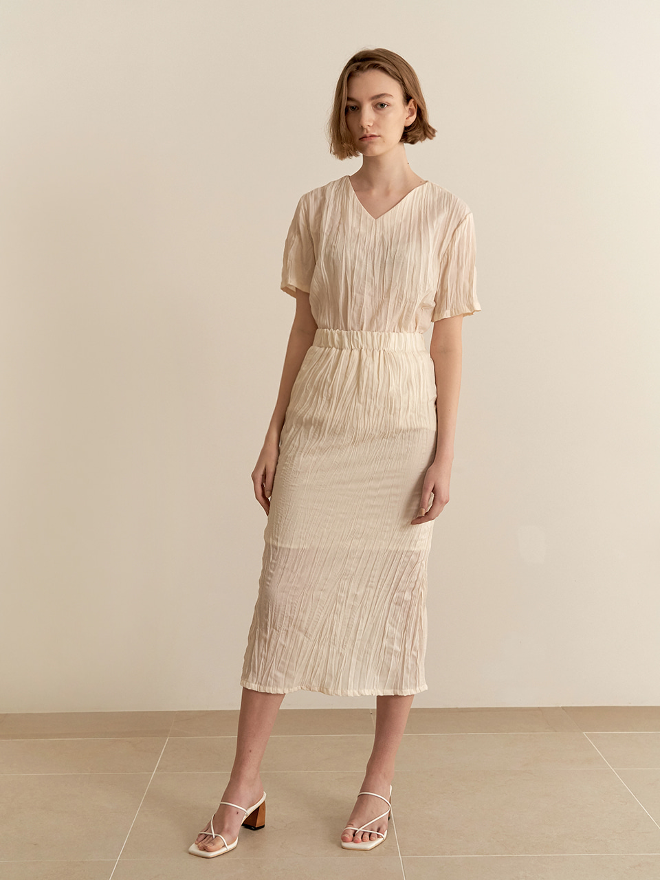 Wrinkle Slit Skirt - beige