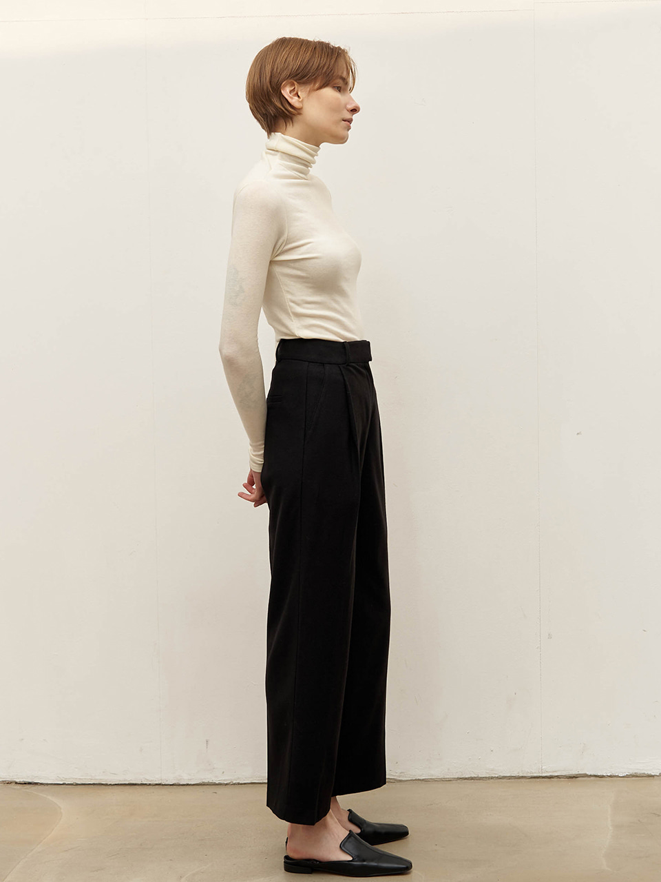 Wool-blend tuck pants - Black