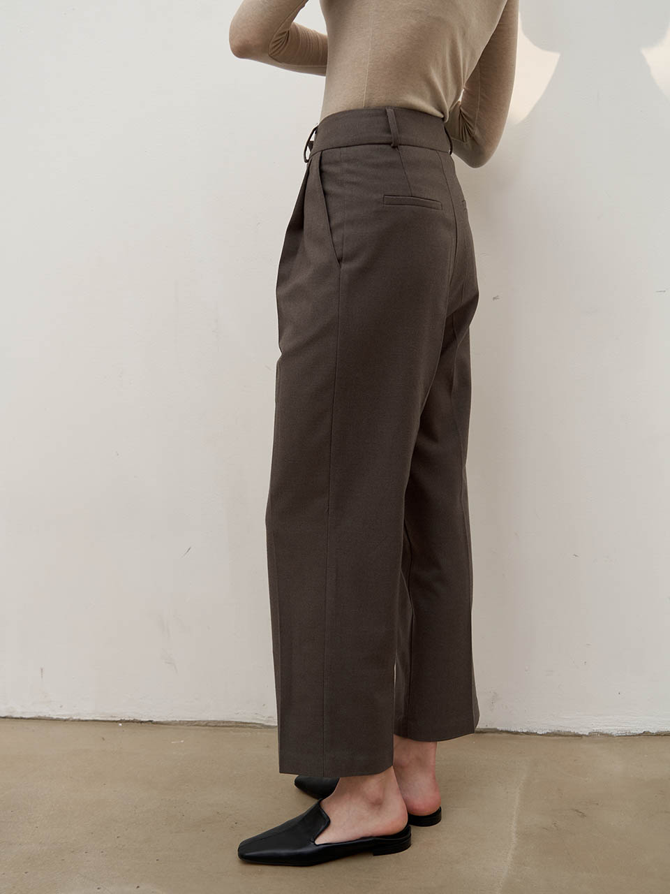 Wool-blend tuck pants - Mocha brown