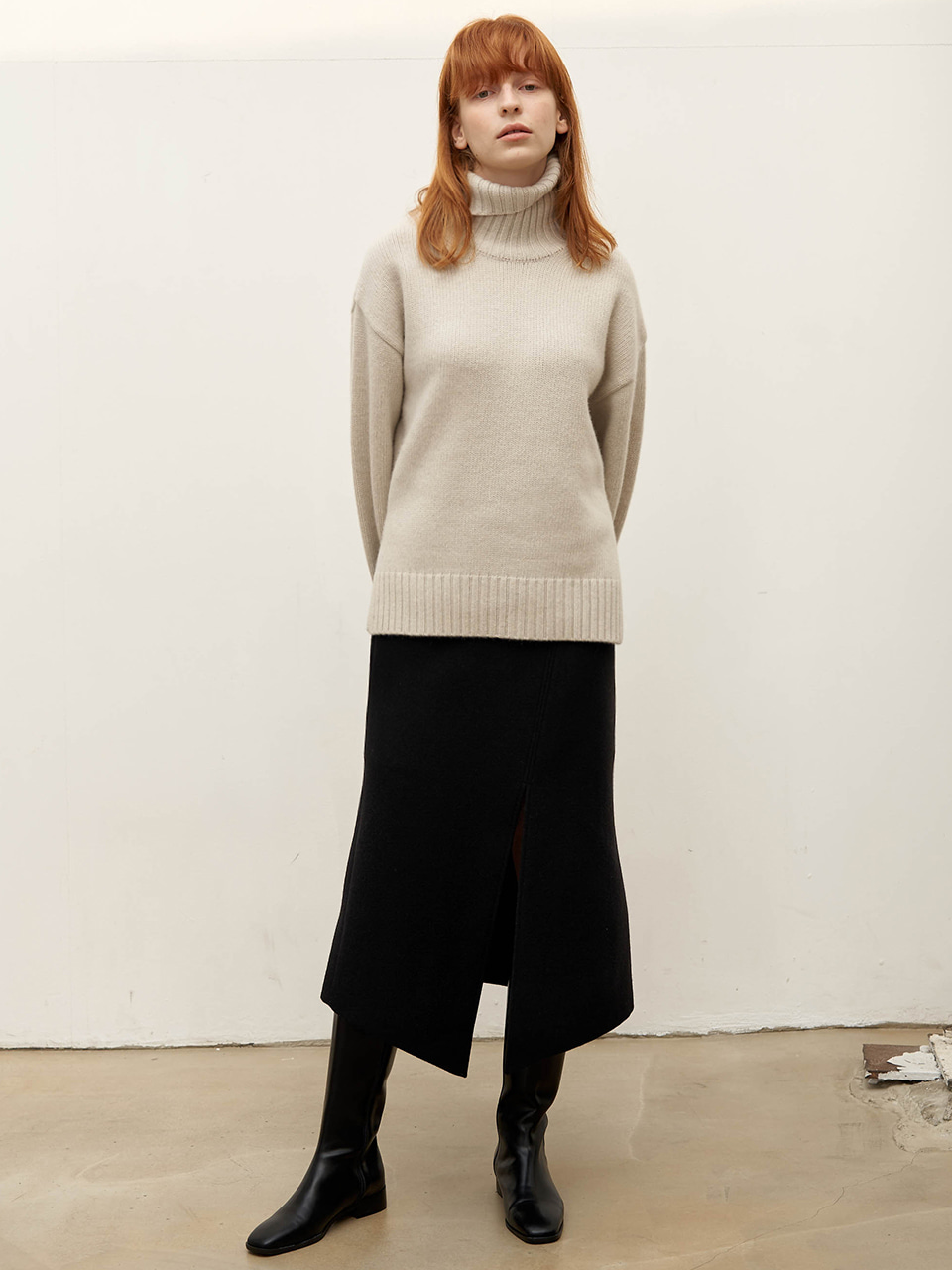 Diagonal wool skirt - Black